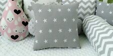 GREY WHITE STARS Quadrato Cuscino Decorativo BABY NURSERY KIDS DIVANO CAMERA DA LETTO REGALO