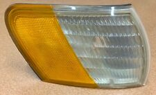 Corner Light For 92-95 Ford Taurus Passenger Side Marker Lens