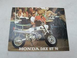 HONDA DAX ST70 Motorcycle Sales Spec Leaflet 1972 #175-1.9/72 FRENCH TEXT