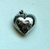 GORGEOUS VINTAGE ORNATE STERLING SILVER HEART SHAPED PENDANT