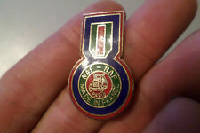 pin s badge NAF NAF PARIS made in France vieux camion truck usa medaille mode
