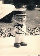 Photo Tirage argentique d'époque Figurine, gendarme
