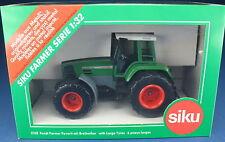 SIKU FARMER 3158 - FENDT FAVORIT 926 - Traktor mit Breitreifen - NEU in OVP 1:32