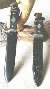 Alte Fahrtenmesser Pfadfindermesser 2x gemarkt Rostfrei Solingen Metallscheide