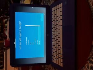 Beautiful HP Stream 14' laptop in purple w/ matching wireless mouse  !!