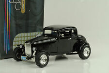 1932 Ford 5 window hot rod CUSTOM BLACK Noir 1:18 Motormax
