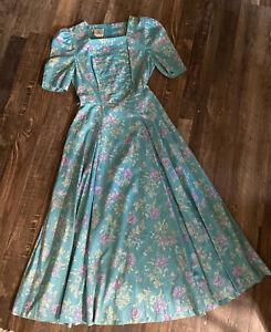 Vintage Laura Ashley Floral Dress 8 pockets square neck Princess Sleeves 1980's