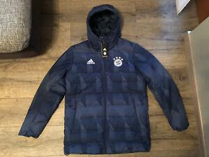 FC Bayern München Adidas Jacke Winterjacke Teamline 2021 Gr. M Blau Neu