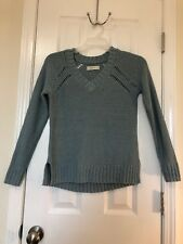 Women's Abercrombie and Fitch V Neck Long Sleeve Sweater Size Small Gray