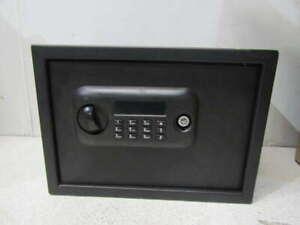 Bulldog Medium Electronic Lock Pistol Vault With Shelf & Spare Keys
