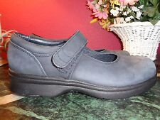PROPET GRAY SUEDE MARY JANES 7M EXCELLENT WITH SLIGHT BLEMISH