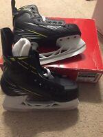 CCM Tacks 2092 Jr Ice Hockey Skates size 2 Width D