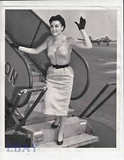Lyne Fallon busty sexy 1955 VINTAGE Photo candid at La Guardia Airport