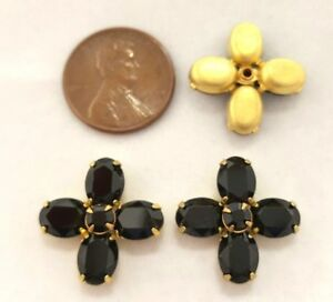 2 VINTAGE JET BLACK AUSTRIAN RHINESTONE GEM JEWEL BRASS FLOWER FINDINGS D373