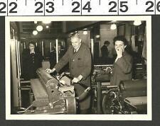 VINTAGE OLD B&W PHOTO OF PRINTING PRESS WORK SHOP IN BERLIN GERMANY #2854