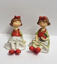 2 er Set Erdbeer Kind sitzend Kinder Deko Frühling Dekofigur vintage nostalgie