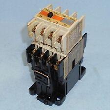 FUJI ELECTRIC 100-110V COIL 20A CONTACTOR SC-0 Z324A W/ SZ-A40