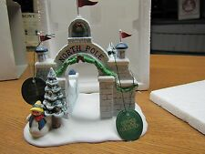 Dept 56 North Pole, North Pole Gate #56324 (Y403)