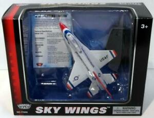Motormax Skywings 1/100 Scale 77005 - F-16 Fighting Falcon With Display Stand