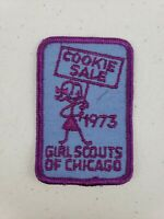 """Vintage 3"""" Girl Scouts Of Chicago 1973 Cookie Sale Patch Badge Purple Blue"""