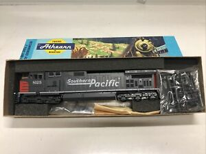 NEW ATHEARN SOUTHERN PACIFIC DUMMY LOCOMOTIVE 4956 HO SCALE #8125 MADE IN USA