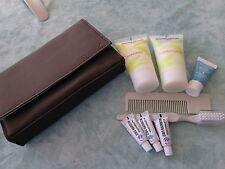 PETITE TROUSSE DE VOYAGE   + shampoing = apres + mini brosse a dent + peigne + m