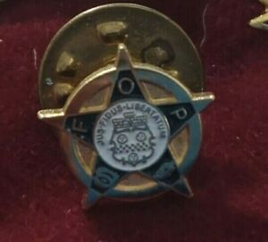Fraternal Order of Police lapel pin - FOP