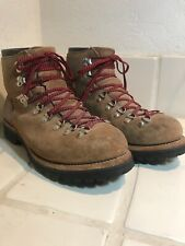 Vasque Mountaineering Leather hiking climbing boots 10.5 N Walking Camp Hike