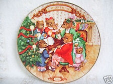 """Avon """"Together For Christmas"""" Teddy Bear collectors plate 8"""" 1989 22 k gold Trim"""