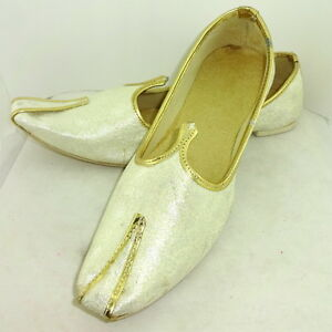 Men's Jutti Royal White Velvet Mojari Handmade Party Shoe India Style Punjabi