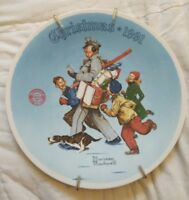 """Christmas Collection Norman Rockwell  plate 1991 """"SANTA'S HELPER"""""""