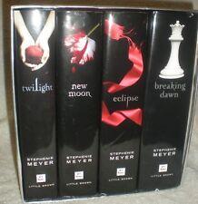 The Twilight Saga Collection : Twilight; New Moon; Eclipse; Breaking Dawn Set