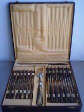 COFFRET 12+ 12 COUTEAUX ART TABLE DECORATION INOX ORFEVRERIE ANCIEN SERVICE COUV