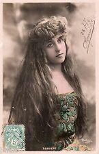 BE637 Carte Photo vintage card RPPC Femme woman Robinne coiffure cheveux