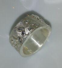 10 mm breiter Bandring mit Struktur, Silber 999, Flamere Design