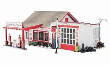 WOODLAND SCENICS BUILT & READY FILL'ER UP & FIX'ER N SCALE BUILDING
