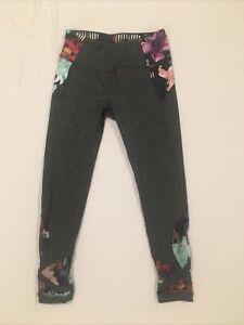 Calia By Carrie Underwood Cropped Capri Leggings Gray Floral Sheer Reveal Sz S