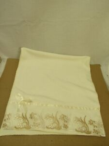 Riverbyland Cream 1 Microfiber Towel Lace Floral Edged