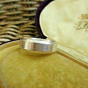 GREAT QUALITY AKGUN STERLING SILVER WEDDING/COMMITMENT BAND  RING T & 1/2