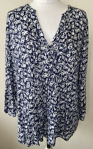 White Stuff Blue Apple Print V-neck 100% Linen Tunic Top Size 16 Buttons