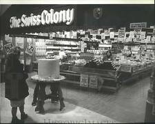 1978 Press Photo The Swiss Colony- Cheese Store - spa92462