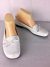 Antonio Melani White Bow Leather Stitched Loafers Size 8.5 M