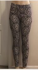 Kardashian Kollection lace print legging