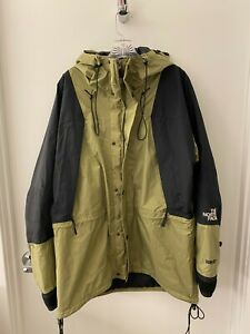 Vintage 1990's The North Face Mountain Light Jacket (Men's Large)