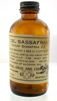 Vintage Quack Medicine Oil Sassafras Emtpy Glass Bottle Montreal Canada 4oz Q083
