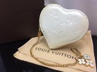 Auth Louis Vuitton Vernis Porte Monnaie Coeur Coin Case 8H220120m*