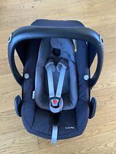 Maxi Cosi Pebble Plus car seat iSize black grey with newborn insert group 0+