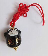 Maneki Neko - kleine Winkekatze als Glücksbringer - mit roten Band - F