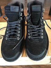 Nike Air Magma Black Suede Boot 2012 Men Size 6/ Women Size 8
