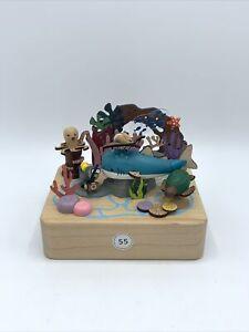 Wooderful life Ocean Diving Music Box Display ?
